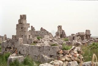 صورة لبقايا الكنيسة الغربية من الجنوب الغربي